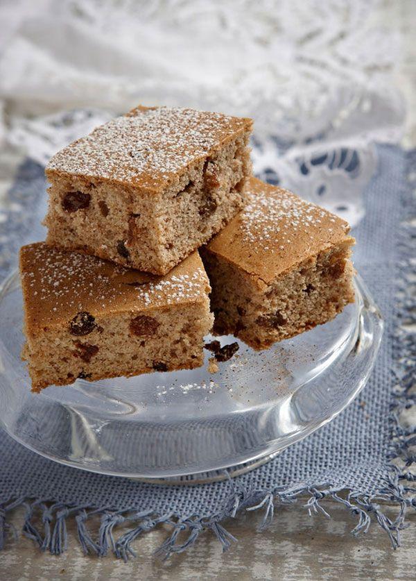 Είτε νηστεύετε είτε όχι, αυτό το γευστικότατο κέικ θα συνοδεύσει τέλεια το πρωινό σας καφέ κι όχι μόνο. #κέικ