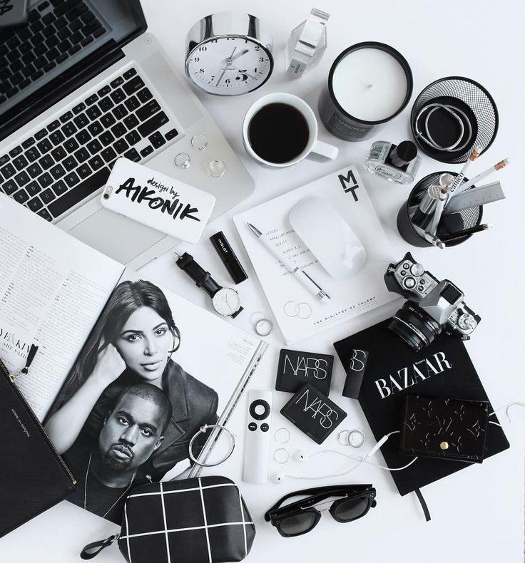 Melbourne/Graphic Designer/Photographer  : designbyaikonik ✉️ carissa@designbyaikonik.com.au