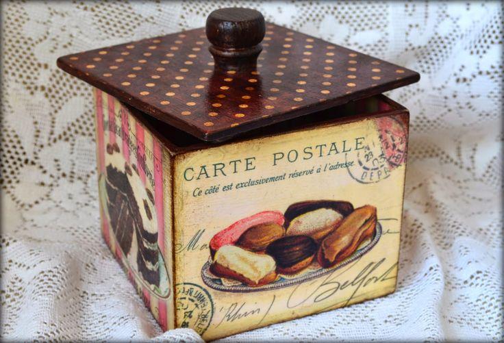 Короб в технике декупаж, сладости. Размер: 12,5 см*12,5 см*10,5 см (общая высота с крышкой и фурнитурой - 14 см). Decoupage box, sweets, 12,5 cm*12,5 cm*10,5 cm (max height 14cm)