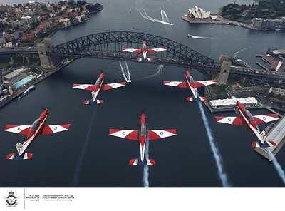 RAAF Roulettes over Sydney harbour