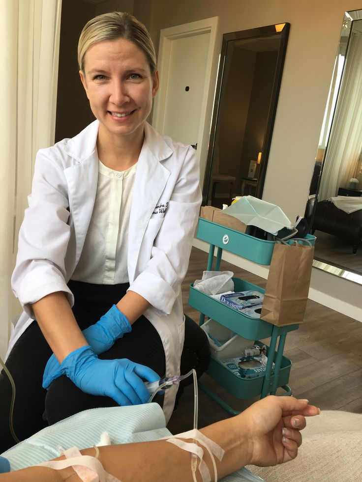 #drKendraFlock doing an #ivpush #glutathione #ivtherapy #iv