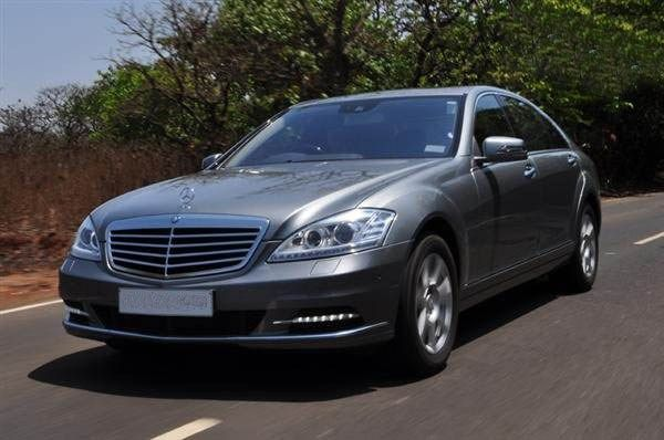 You will find hundreds of taxi companies at the airports and actually they are always ready to take the people towards their preferred destinations. They always provide a luxurious and comfortable transfer with ultimate relaxation.