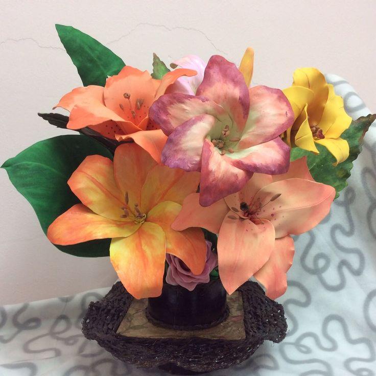 Como hacer Flores azucenas con Goma Eva o Fomi - How to make Azucenz flo...