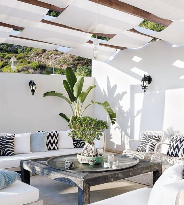 Hello from the outside! 🌴 •• 📷 via #pinterest •• Addicted? Need more inspiration? Visit us in stores & online for all your interior decorating needs! •• Follow the link in our bio, or visit: www.villagestores.com.au