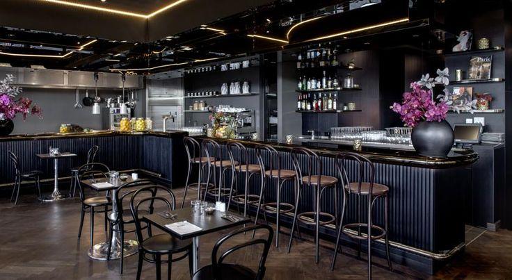 R$292 O Hotel AMANO Grand Central dispõe de acesso Wi-Fi gratuito, de um terraço e bar no último piso, de um restaurante bistro no local, de comodidades de...