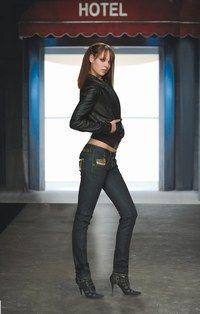 Italian Style - Jeansmode: Slim, Boot Cut, Relaxed, Regular - Teuflisch sexy! Dieses Slim-Modell macht der berüchtigen Raffinesse der Marke alle Ehre... Slim-Jeans - Diesel: ca. 180 € Information: www.diesel.com