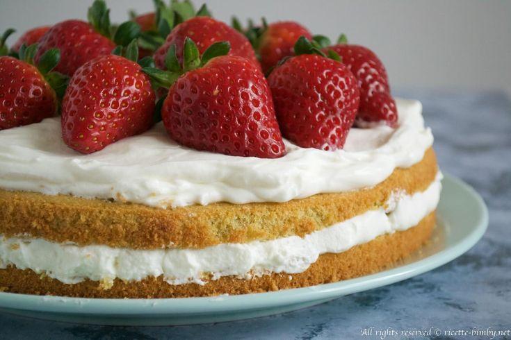 La victoria sponge cake è una torta spugnosa tipica inglese, perfetta per essere decorata e farcita. Scopri la ricetta per il bimby spiegata passo passo.