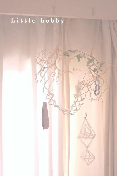 今年もシーブッシュを七夕飾りにしましたアイビーの枝を絡ませてちょっと天の川風?!!英字新聞で作った網も添えてみました※参考記事  ↓  ↓七夕飾りをちょっ...