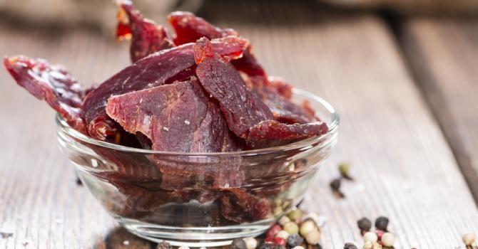 Recette de Viande des Grisons light maison . Facile et rapide à réaliser, goûteuse et diététique. Ingrédients, préparation et recettes associées.