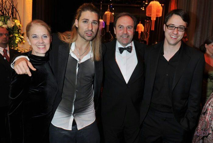 David Garrett Family Photo Missing Little Sister