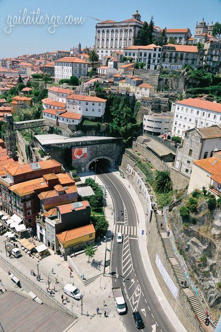 Túnel da Ribeira.....com acesso à Ponte Dom Luis..Porto
