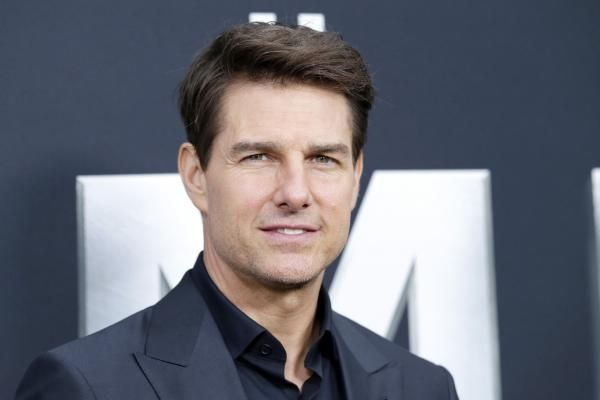 """Paramount has dated their long-discussed sequel to """"Top Gun"""" starring a returning Tom Cruise for July 12, 2019."""