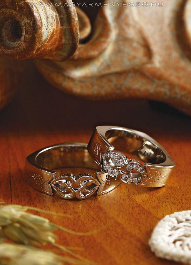 Dolmány - karikagyűrű - wedding ring www.magyarmenyegzo.hu
