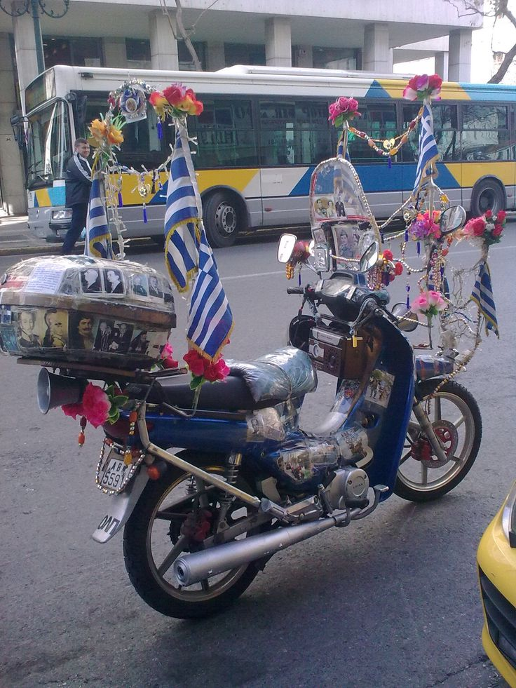 https://flic.kr/p/DDBSAr | Εικόνα0345 | Kitsch style in a motorbike of a Greek National Socialist...