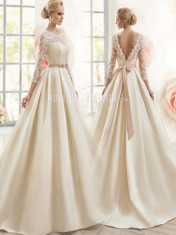 Belle robe avec dentelle