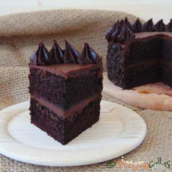 Tort de post cu ciocolată și unt de arahide