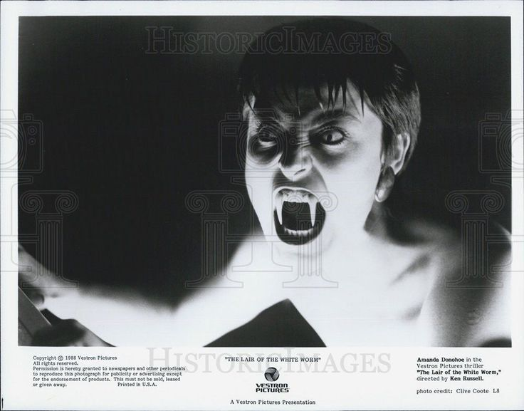 """1988 Press Photo Amanda Donohoe in """"The Lair of the White Worm"""""""