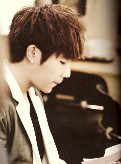 Sunggyu! WHY YOU SOOOOOOO CUTE!!XD