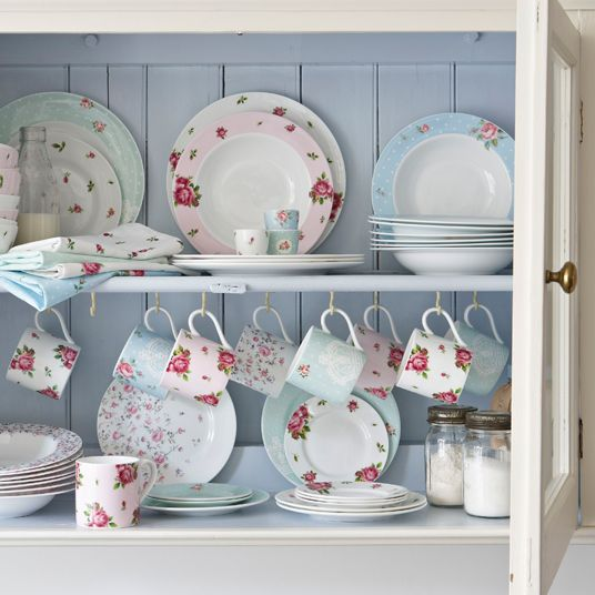 Heart Handmade UK: Pastel Styling and Glorious Crockery | Royal Doulton Royal Albert Collection