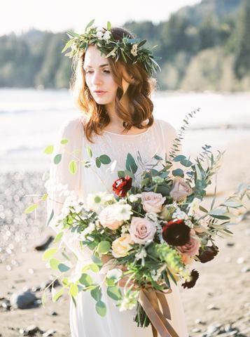 Vancouver Island Coastline shoot by Lushana Bale, featuring Saja Wedding Dress RM6325. See it on the Saja Wedding Blog: http://sajawedding.com/blogs/news/inspiration-shoot-on-vancouver-islands-rugged-coast