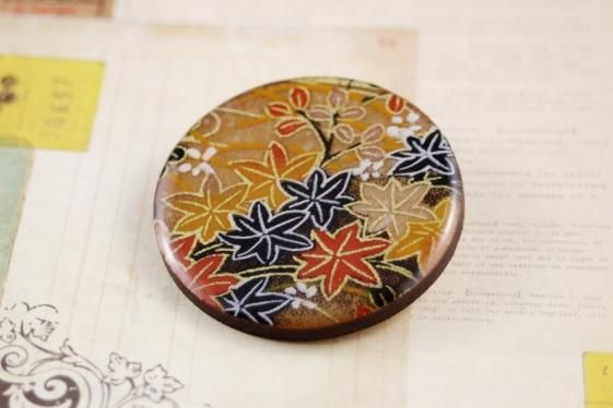 Round She Goes - Market Place - New handmade women's resin & wood wooden brooch, Japanese washi yuzen paper floral print round badge (handcrafted, art, Japan, flowers)