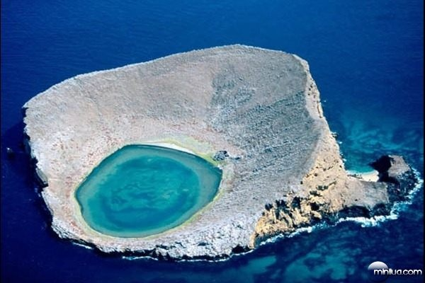 Blue Lagoon - Equador: Places To Visit, Bluelagoon, National Geographic, Beautiful Places, Blue Lagoon, Ecuador Travel, Colors Blue, Photo, Galapago Islands