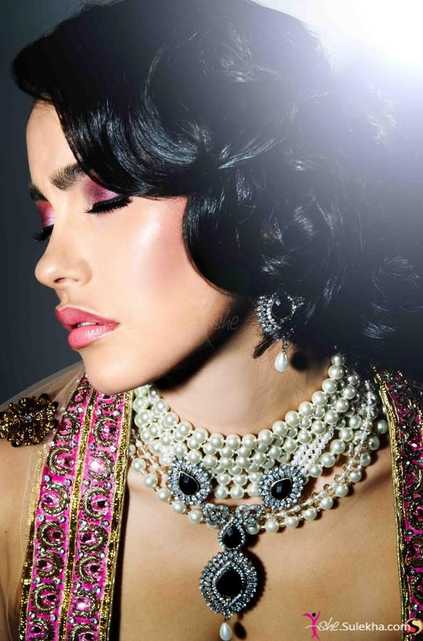 beautiful hairstyle, distinctive necklace, Indian wedding bride hairstyles 2013 >>
