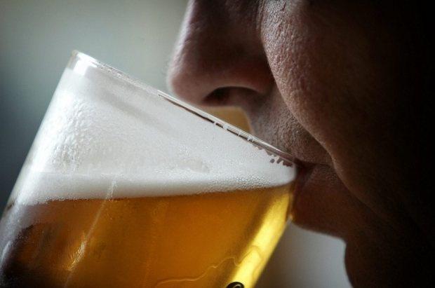 Reducirse el estómago aumentaría riesgo de alcoholismo @PandoraRD