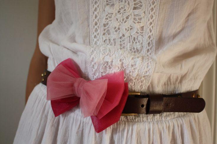 DIY: Ombre tulle bow embellishment to dress up thrifted belts.: Bow Belt, Bow Embellishment, Tulle Bows, Diy, Design, Belts, Embellishments