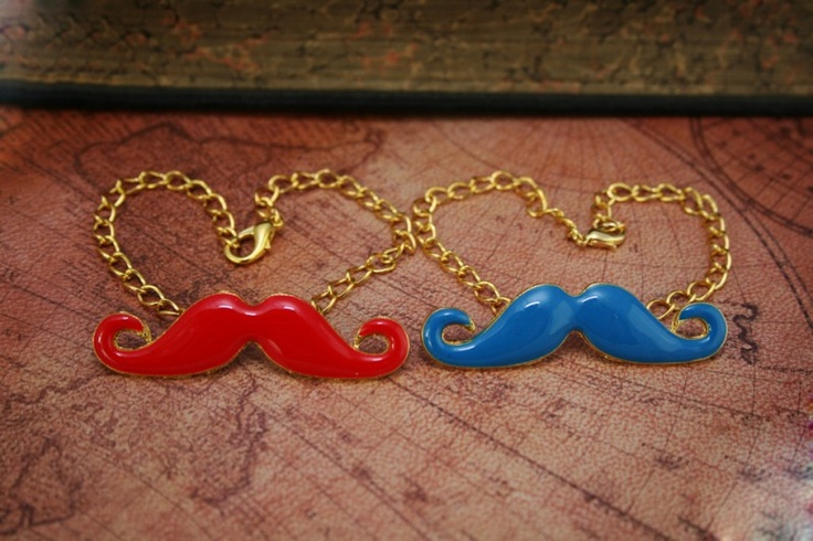 Rode en blauwe Snorren, (moustache/ mustache) armband A0046