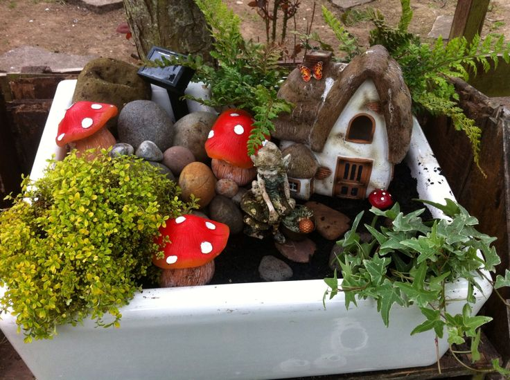 A homemade pressie for my Mum using an old Belfast sink. Her very own fairy garden x