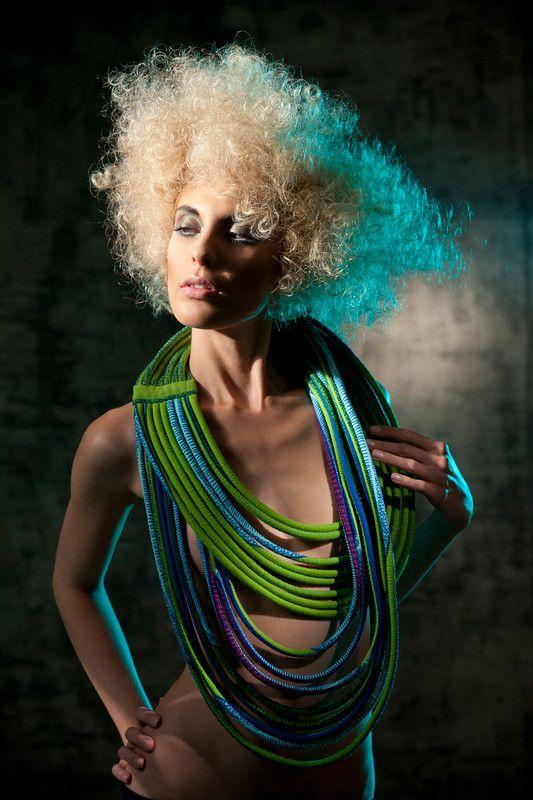 www.cewax.fr aime ce collier en tissu wax africain style ethnique tendance tribale chic COLLECTION 2012 BIS