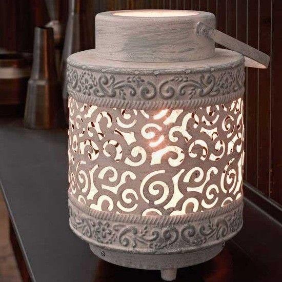 Επιτραπέζιο φωτιστικό - πορτατίφ - λαμπατέρ μονόφωτο, σε vintage/αντικέ στυλ, με βάση από ατσάλι με σχέδια. Talbot από την Eglo.  Διατίθεται σε γκρι και λευκό με μαύρη πατίνα. ----------------------------------- Table lamp, in vintage / antique style, with steel base with patterns.  Available in gray color and white with black patina. #patina #color #lantern #light #lightroom #table #tablesetting #tablelamp #tablelight #home #homedecor #decoration #design #moderndesign