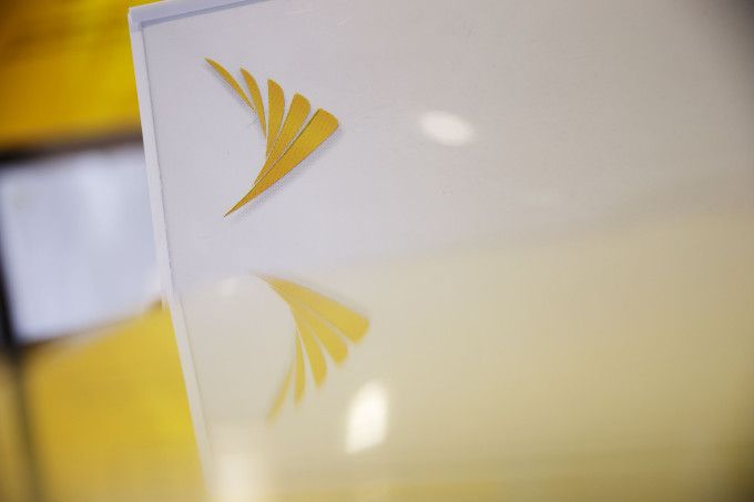 Sprint could sell pieces to Comcast and Charter before attempting T-Mobile merger T-Mobile and Sprint have been in merger talks for a long while now, but the latter may be attempting to jockey for position by allying itself with Charter and Comcast. Sprint would likely be selling a minority stake to the ISPs in exchange for providing access to its network infrastructure.... https://unlock.zone/sprint-could-sell-pieces-to-comcast-and-charter-before-attempting-t-mobile-merg