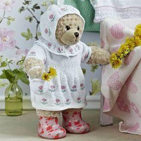 Strik en sød sommerkjole til lillepigens yndlingsbamse.