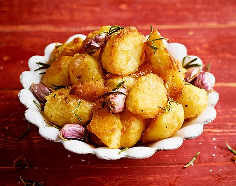 PERFECT ROAST POTATOES From Jamie Magazine Issue 44. These are fantastic! Made them on Easter for my family. They were a hit!