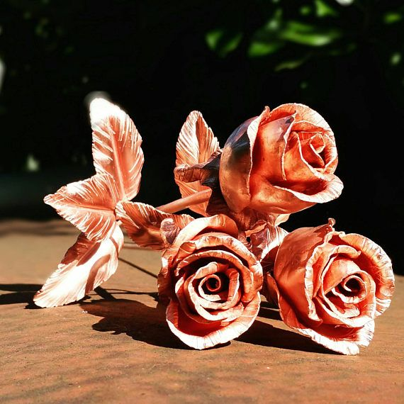 Hey, I found this really awesome Etsy listing at https://www.etsy.com/listing/520157771/single-metal-long-stemmed-rose-with
