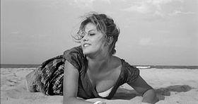 Notorious, ovvero: come imparai a non preoccuparmi e ad amare il cinema: La ragazza con la valigia di Valerio Zurlini, dramma della solitudine, che solo superficialmente più essere considerato un semplice film sentimentale. Cast ricchissimo: spiccano i due protagonisti Claudia Cardinale e Jacques Perrin