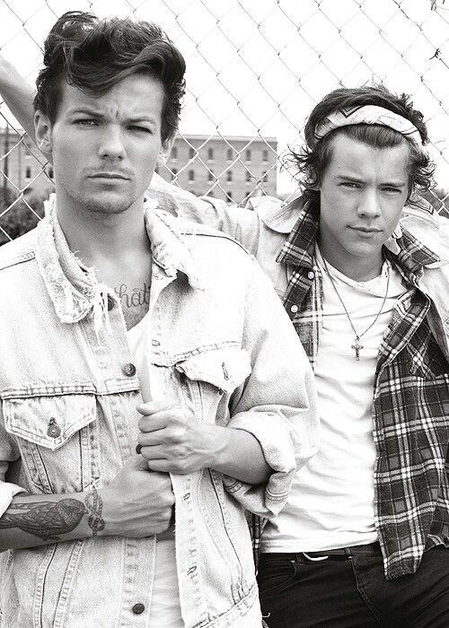 Louis and Harry AKA  LARRYYYY
