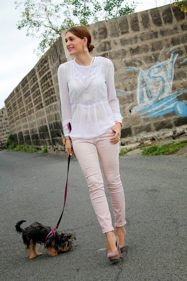 COLORES PASTELES ~ 1-4-2014  Jeans: Zara (old) Blusa: Lefties  Jersey: Zara  Zapatos: Primark (old) Pendientes: Lefties  Bolso: H&M (new) Reloj: Tous Pulsera/collar: From Sevilla