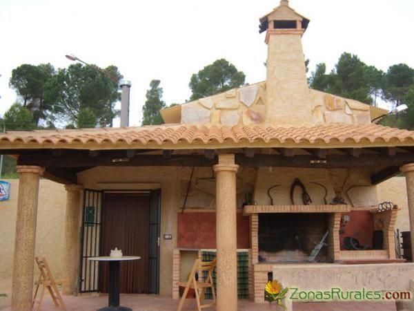 100 best images about barbacoas cocinas y pergolas para exteriores de jard n on pinterest tes - Barbacoas rusticas ladrillo ...