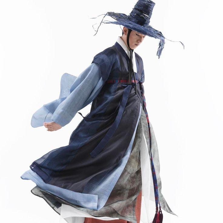"""선비도포는 청색이 갑이지! 청렴결백, 무위자연, 무소불위, #hanbok #traditional #photographer강선준 #옷짓는원 #한량무 #전통춤"""""""