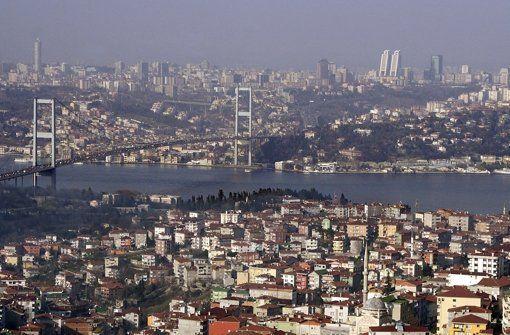 In Istanbul kam es zu einer Explosion. Foto: dpa http://www.stuttgarter-zeitung.de/inhalt.istanbul-explosion-an-u-bahnstation.f0b52be5-8e6b-4806-bfbe-e1cc6eda87fa.html