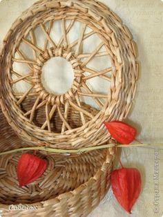 Мастер-класс Поделка изделие Плетение Плетёнки из бумаги Бумага газетная Трубочки бумажные фото 13