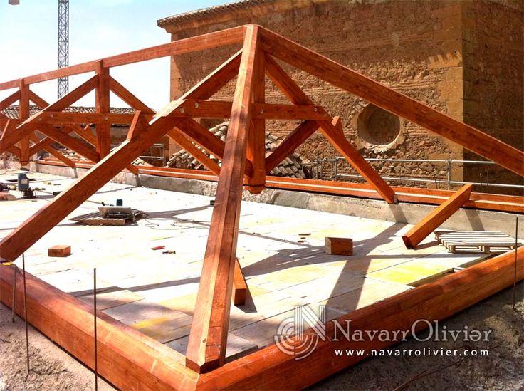 Reconstrucción de cubierta del Convento de San Diego, destruida por el terremoto de Lorca (2011).  #rehabilitacion #Lorca #tejado #cubierta #arquitectura #cercha #timber #estructura #Murcia #navarrolivier #madera