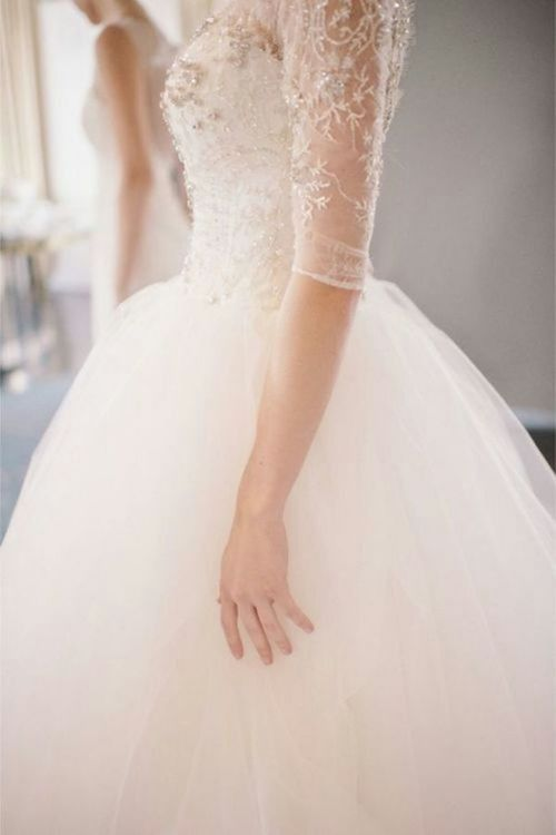 Sleeves #weddingdress | Follow #White #Wedding Ideas by F&L http://www.pinterest.com/FLDesignerGuide/white-wedding/