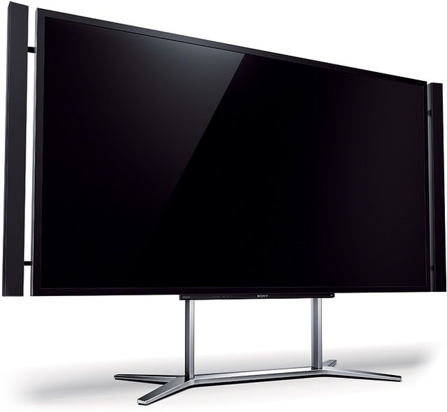 HD is the past - Sony 84-inch XBR-84X900 4K TV- We had one at the store! So awesome!!!!