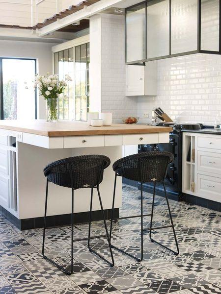 vincent sheppard life stories of lloyd loom joe. Black Bedroom Furniture Sets. Home Design Ideas