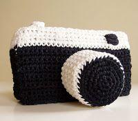 VER  PATRÓN  1046     lana negra  lana blanca  guata para el relleno  ganchillo y aguja de lana