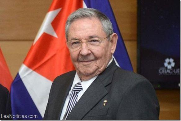 Caída de la bandera de Cuba a la llegada de Raúl Castro a Venezuela desata burlas en redes sociales (Video) - http://www.leanoticias.com/2014/03/05/caida-de-la-bandera-de-cuba-la-llegada-de-raul-castro-venezuela-desata-burlas-en-redes-sociales-video/